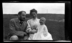 Thomas C. Potts, Ethel Rhoads Potts and Sarah Rhoads Potts.  Sea Girt, New Jersey.  1908